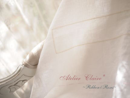 Ribbon&Rosesのテーブルクロス~パンチワークを施す~_a0157409_1018303.jpg