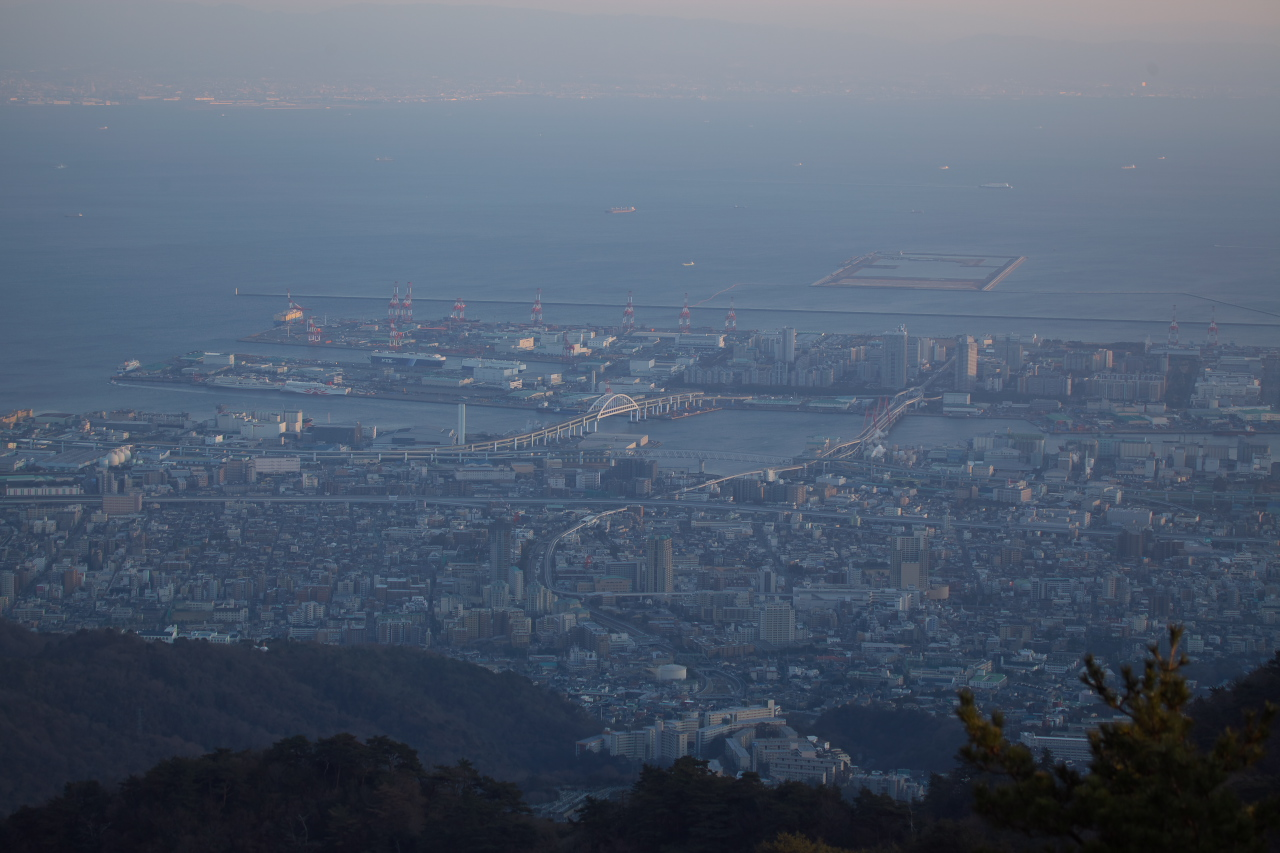 山頂展望台から!_b0160331_17573630.jpg