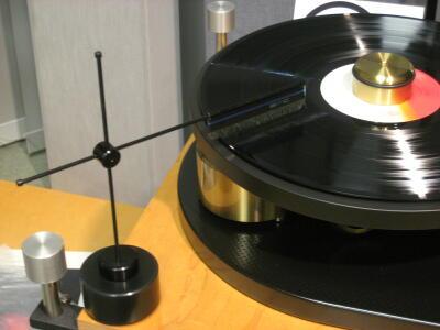 レコードを再生しながら静電気を除去する☆_c0113001_0144460.jpg