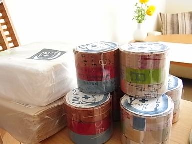井上洋子さんのグラフティ。マスキングテープとナプキン。_b0102217_16524169.jpg
