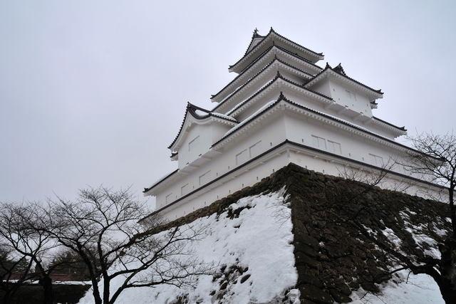 雪吊りのある鶴ヶ城_b0223668_9374914.jpg