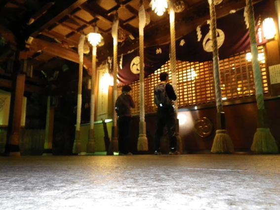12.03.16(金) 夜ミクラに行くみくら_a0062810_1111363.jpg