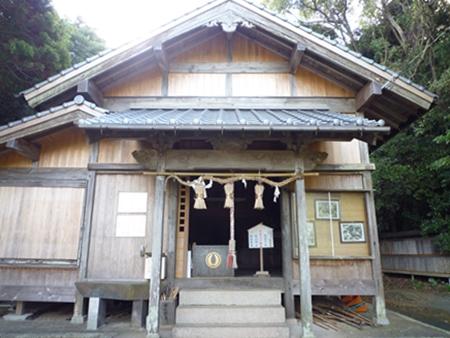 楯崎神社(1)半島の絶壁に立つ巨大な磐座に神功皇后は祈った_c0222861_1031023.jpg
