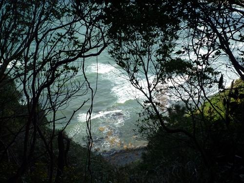 楯崎神社(1)半島の絶壁に立つ巨大な磐座に神功皇后は祈った_c0222861_10333463.jpg