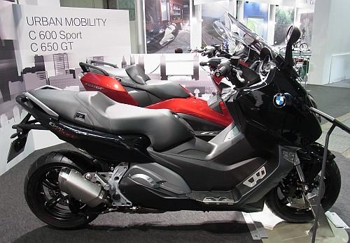 2012大阪モーターサイクルショー初日レポート!_e0254365_20152414.jpg