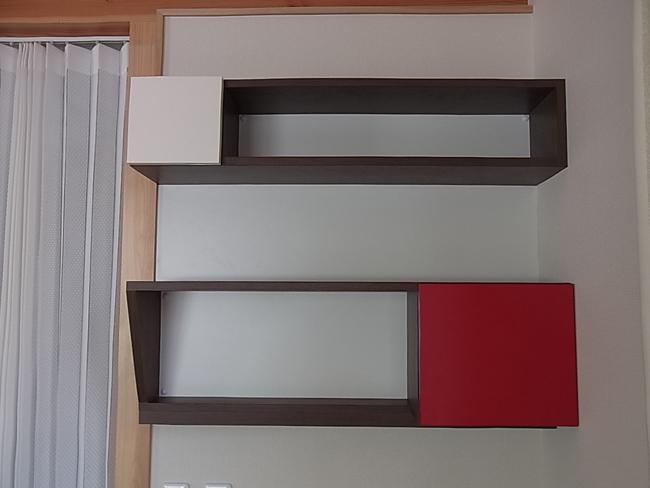 念願の壁面設置用家具を取付!_b0186200_1828470.jpg