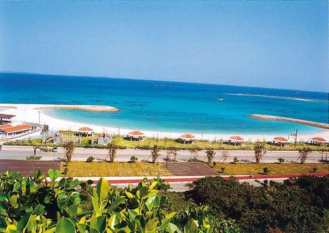 沖縄はもう海開き!_d0100638_10285367.jpg