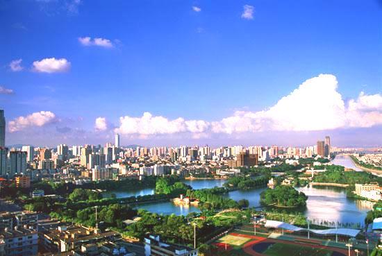 都市に限らず、大学等でもそう感じる採用活動で大学を見ている時に、どこの大... 都市が発展する必