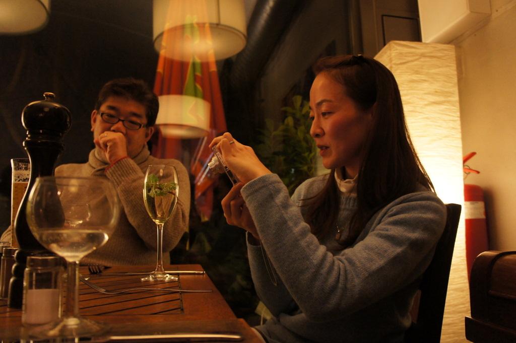 U野夫妻とアンペルマンレストランへ。_c0180686_19412635.jpg