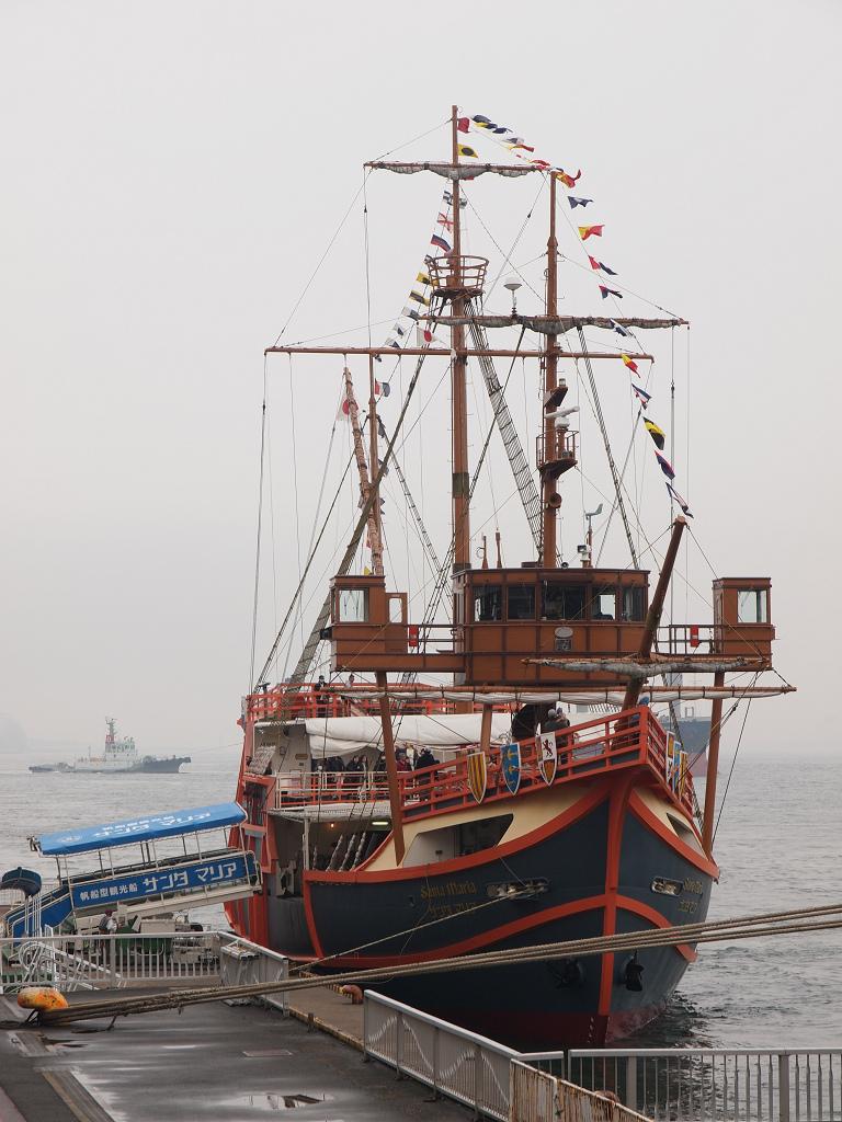 「Queen Mary 2」_a0133692_2155445.jpg
