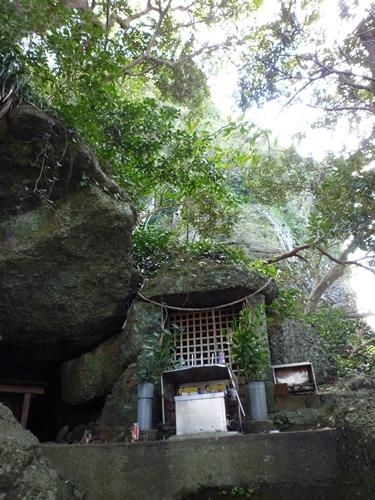 楯崎神社(2)大己貴と宗像姫の連合軍が異敵と戦った_c0222861_1604119.jpg