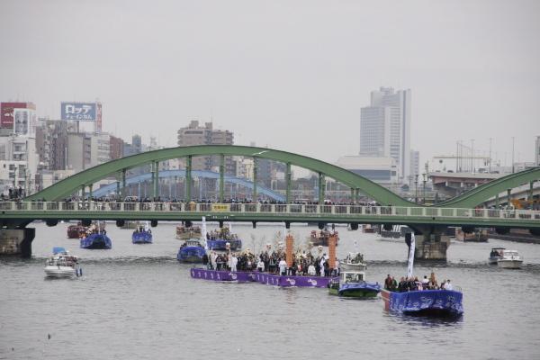 「舟渡御(ふなとぎょ)」@隅田川_f0230666_10303240.jpg