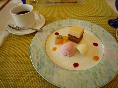 和歌山マリーナシティ ロイヤルパインズホテル de イタリアンランチフルコース~♪_e0123286_1895927.jpg