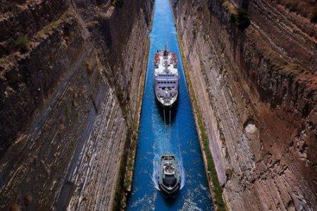 コリントス運河 : ギリシャ 個人...