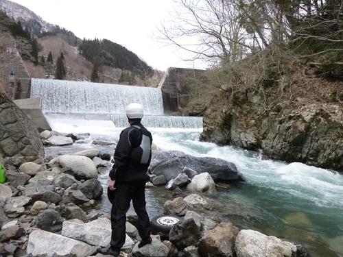 坂内川へ_c0113733_23291521.jpg