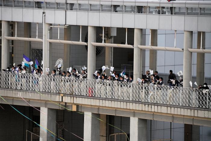 東京・横浜ワンナイトクルーズ -2:セイルアウェイ・パーティ_e0152866_11171342.jpg