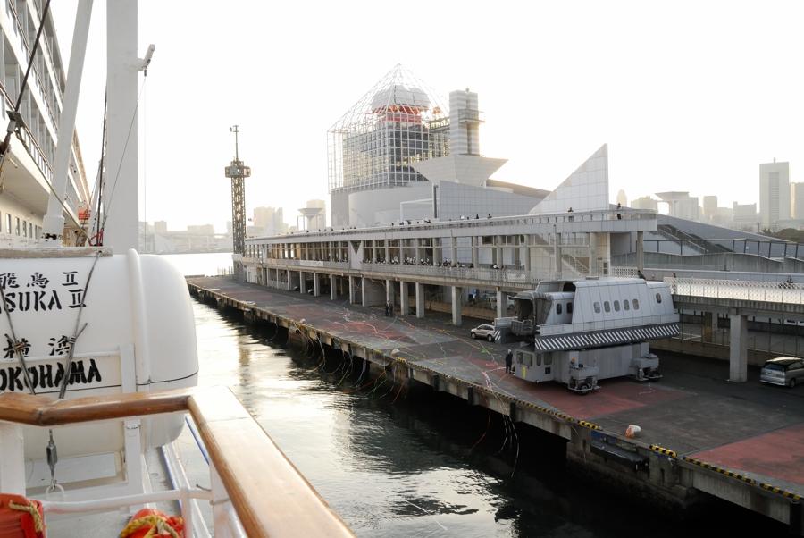 東京・横浜ワンナイトクルーズ -3:出港_e0152866_1836767.jpg
