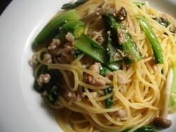 3/20本日のパスタ:鶏挽肉と小松菜の和風スパゲティ_a0116684_11442046.jpg