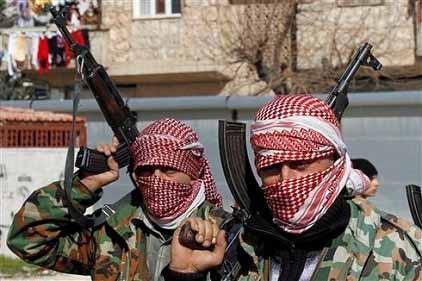 シリアの反政府武装勢力は拷問、処刑を繰り返している Paul Joseph Watson_c0139575_19512381.jpg