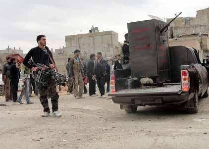 シリアの反政府武装勢力は拷問、処刑を繰り返している Paul Joseph Watson_c0139575_1955526.jpg