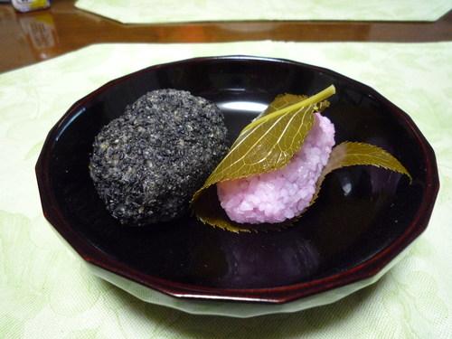 ぼた餅と桜もち_e0232277_18354383.jpg