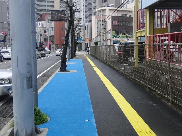 整備が進む自転車道と、それに関する大きな疑問_f0141310_810159.jpg