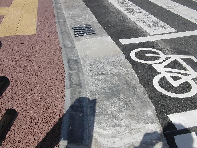 整備が進む自転車道と、それに関する大きな疑問_f0141310_883972.jpg