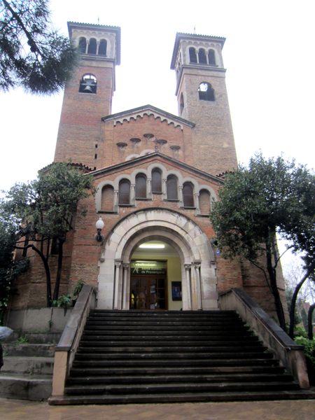 Hospitaletのロマネスク教会_b0064411_104134.jpg