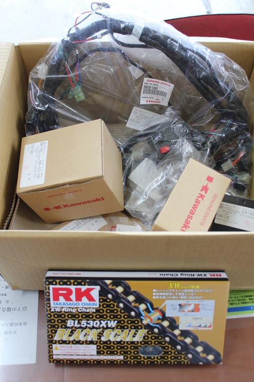 ZEPHYR1100 フルコンプリート車両製作 NO22_d0038712_234864.jpg