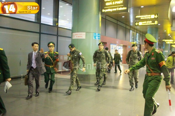 RAINの公式ベトナムのファンが別れを告げる _c0047605_1454321.jpg