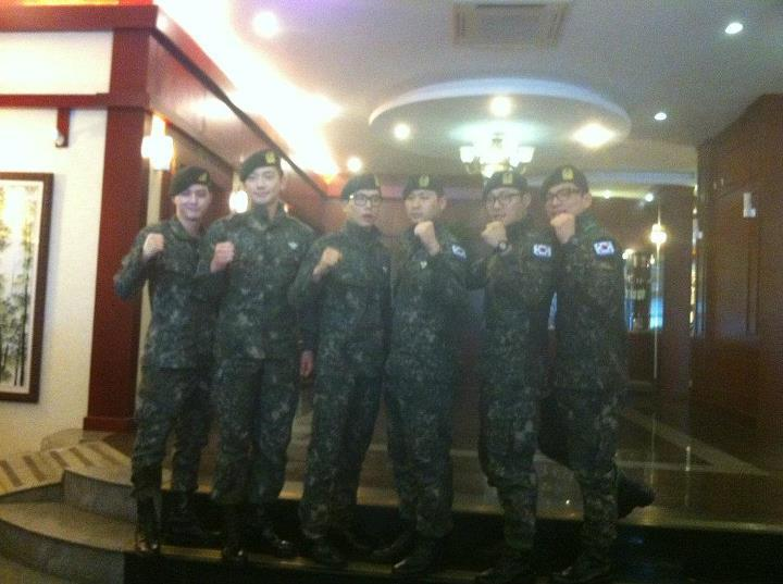 RAINの公式ベトナムのファンが別れを告げる _c0047605_167741.jpg