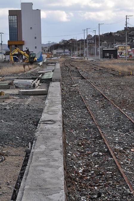 線路と駅は誰のもの_b0067012_1414493.jpg