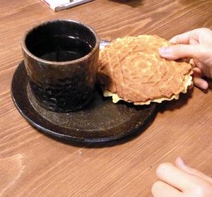 カフェZのおやつ〜手焼きゴーフル_a0017350_198882.jpg