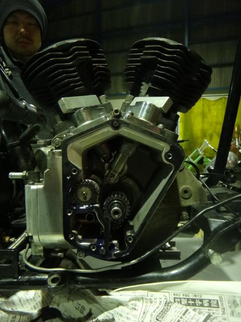 ショベリジ エンジン分解_c0133351_19512052.jpg