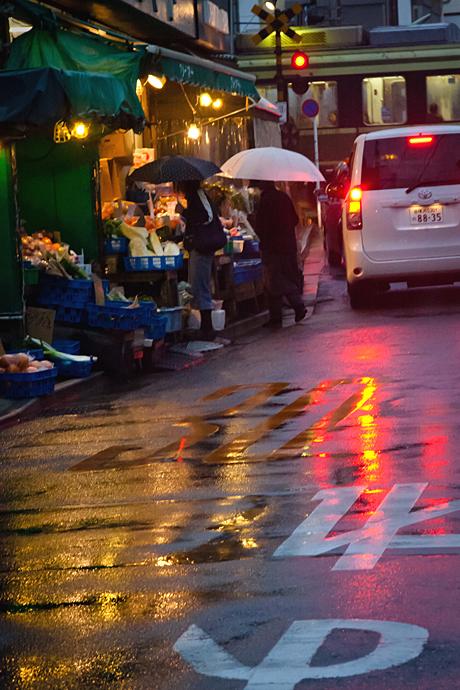 雨の駅前風景。_b0022268_22123124.jpg