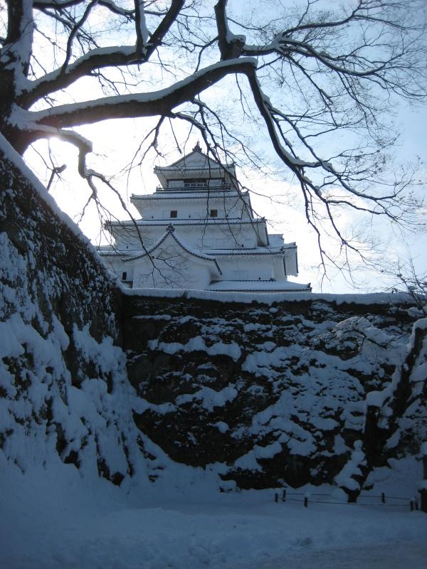 会津で正月(7)雪の鶴ヶ城 _c0013687_20421787.jpg