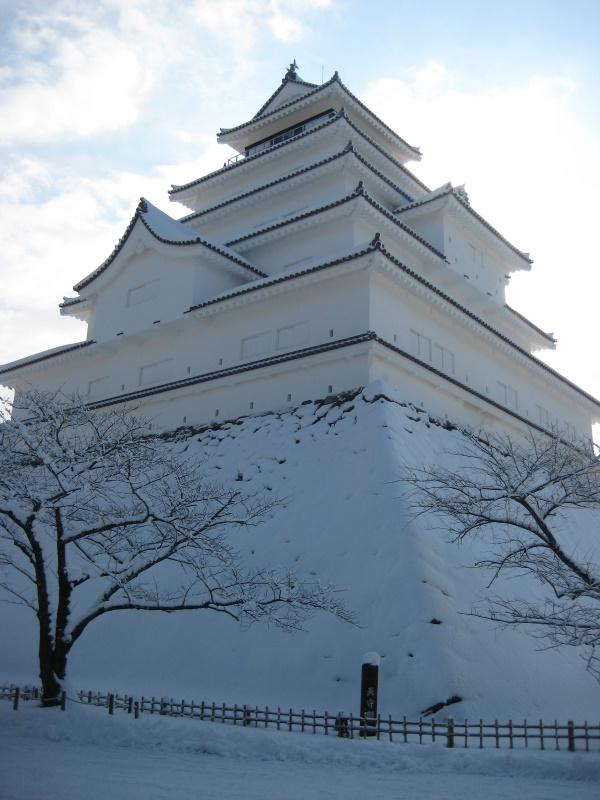 会津で正月(7)雪の鶴ヶ城 _c0013687_20422441.jpg