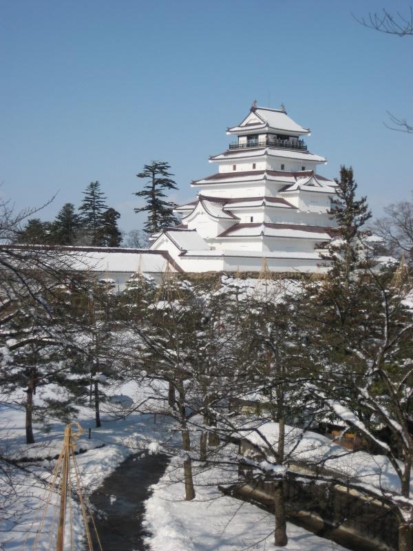 会津で正月(7)雪の鶴ヶ城 _c0013687_2045178.jpg