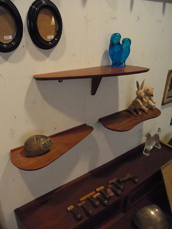 teak wall shelf_c0139773_1819979.jpg
