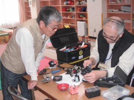 2012.03.24    おもちゃ病院開設式_f0142009_11381429.jpg