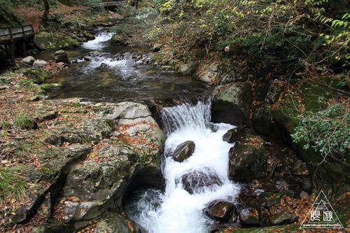 136 八重滝 ~山奥にある八つの滝~_c0211532_1304310.jpg