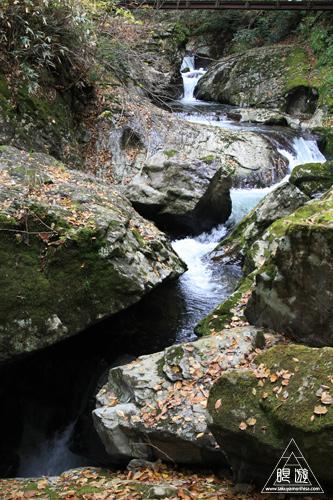 136 八重滝 ~山奥にある八つの滝~_c0211532_1304936.jpg