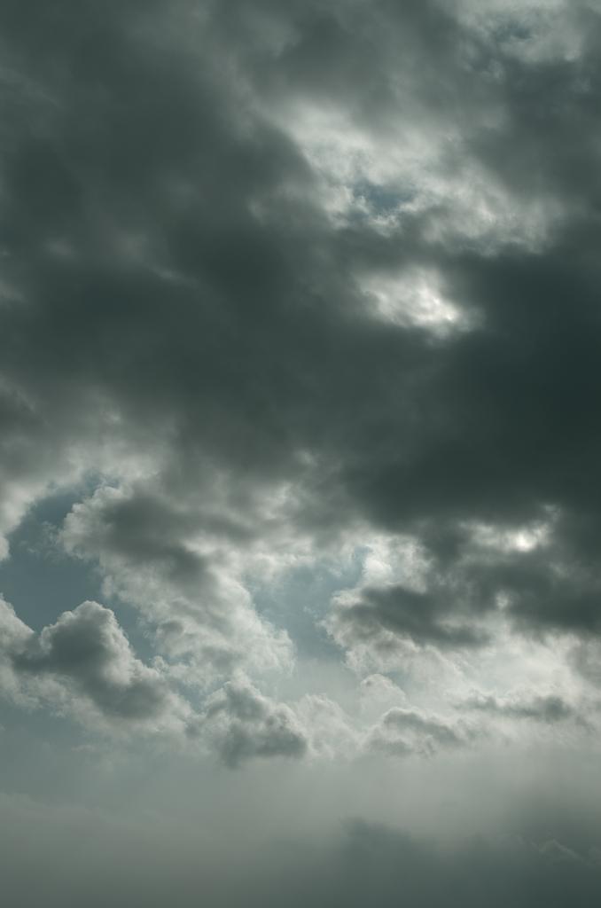 「暗雲」_a0133692_18494423.jpg