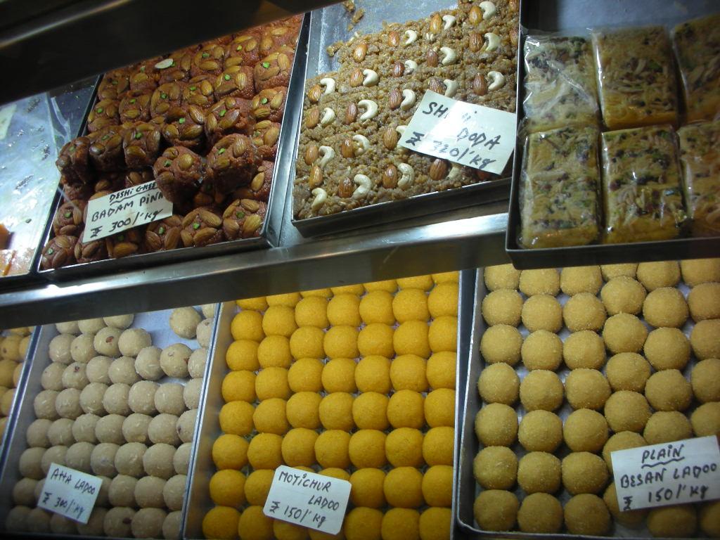 インドのお菓子_d0228610_13291311.jpg