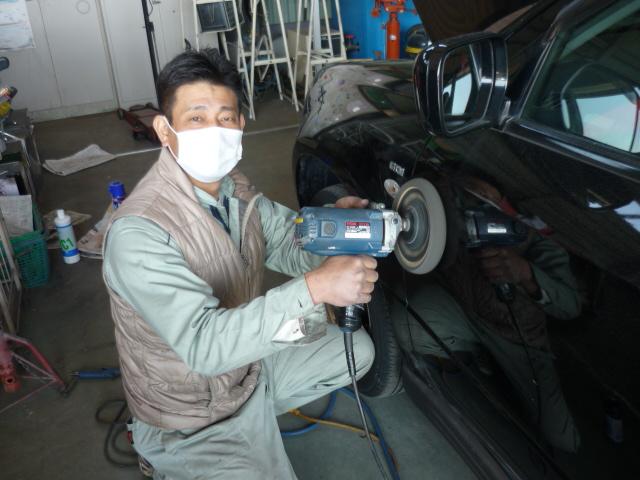 お車をピカピカに磨き中~(^‐^)ゝ_c0213517_13223658.jpg