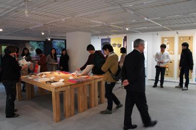 多摩美術大学大学院グラフィックデザイン領域 イラストレーションスタディーズ修了制作展2012開催中です _f0171840_1533081.jpg