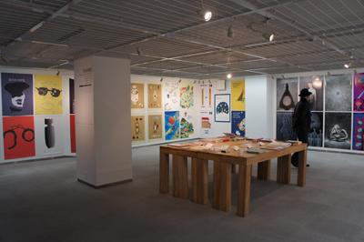 多摩美術大学大学院グラフィックデザイン領域 イラストレーションスタディーズ修了制作展2012開催中です _f0171840_1541313.jpg