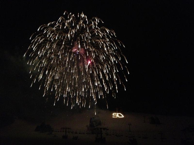 今年最後の苗場の花火&ウィスラーカフェご飯_c0151965_19113624.jpg