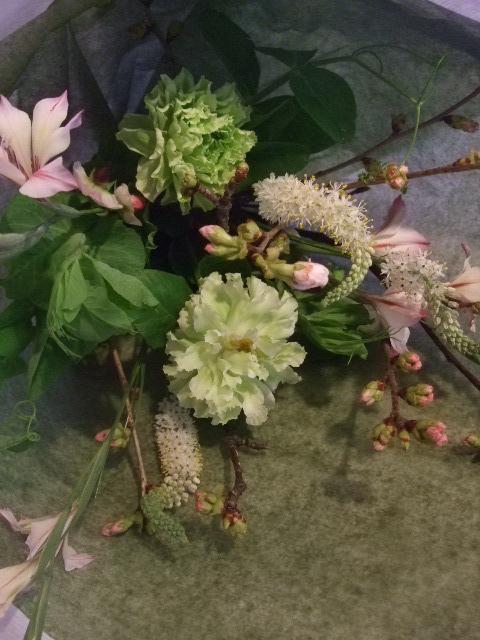 オークリーフ花の教室(落合さんの作品)_f0049672_17581298.jpg