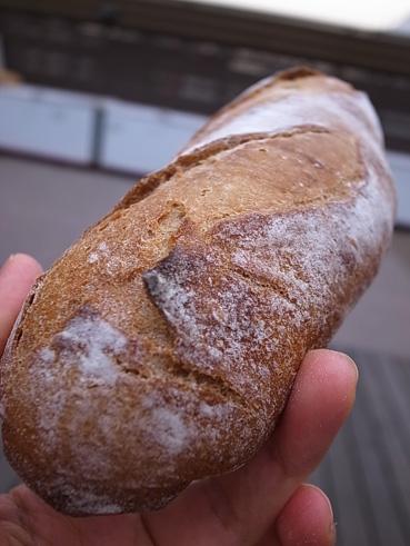 グルメ祭よりもパン! デパ屋上ピクニック_e0197587_2336295.jpg